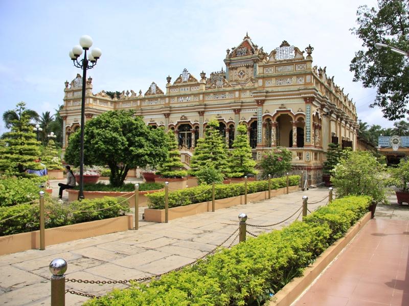 Vinh Trang Pagoda,Vietnam Tours,Cozy Travel