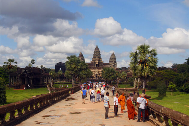 Angkor Wwat in Siem Reap, Cozy Vietnam Travel