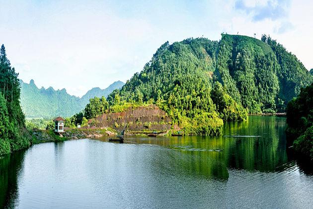Dam Ao Chau, Phu Tho, Tours, Cozy Travel