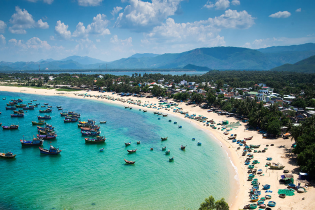 Beach in Phu Yen, Phu Yen Tours, Cozy Vietnam Travel