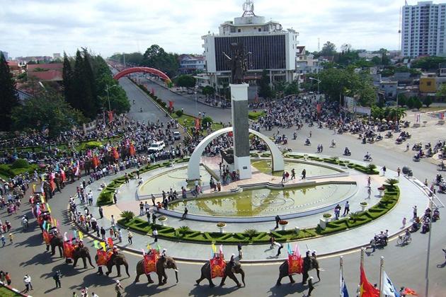 Festival in Dak Lak, Tours, Buon Me Thuat, Tours, Cozy Vietnam Travel