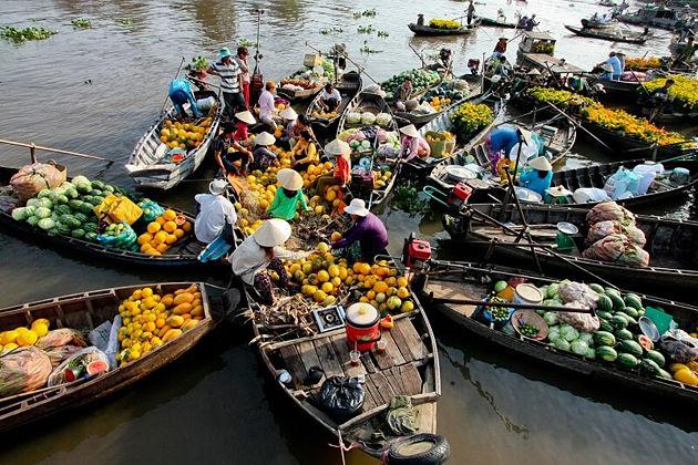 Cai Be Floating Market, Mekong Delta Tours, Cozy Vietnam Travel
