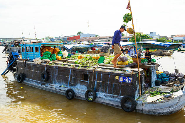 Cai Rang Floating Market, Cozy Vietnam Travel