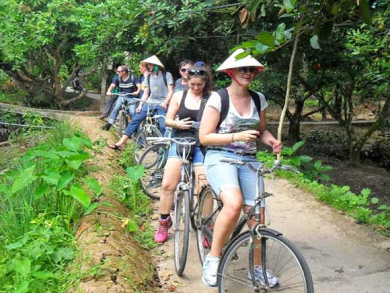 cycling in cai be, Tours Vietnam, Cozy Vietnam Travel
