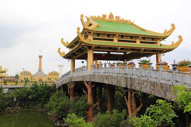 Starlight Bridge, Saigon Tours, Vietnam Package Tours, Cozy Vietnam Travel