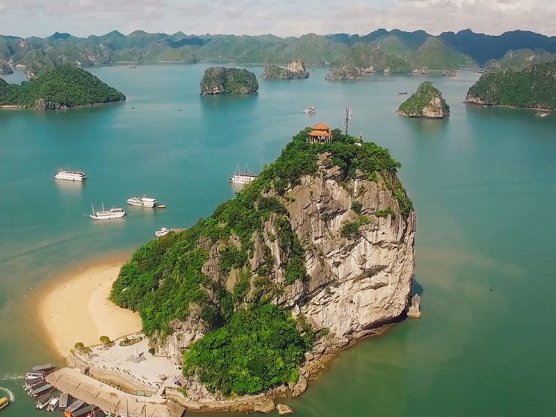 Titop Island Halong Bay Tours, Halong Bay Tours, Cozy Vietnam Travel