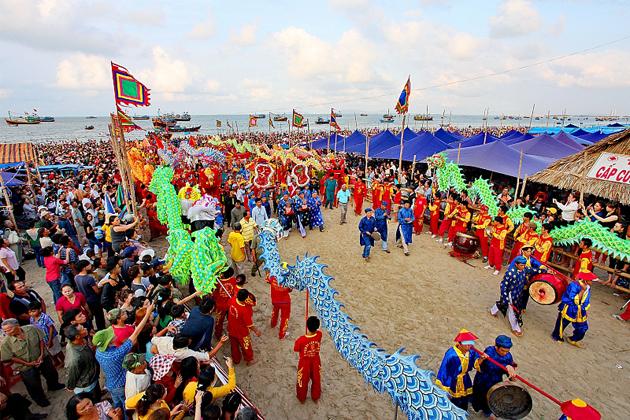 Dinh Co Festival, Long Bien, Ha Noi, Cozy Travel Vietnam