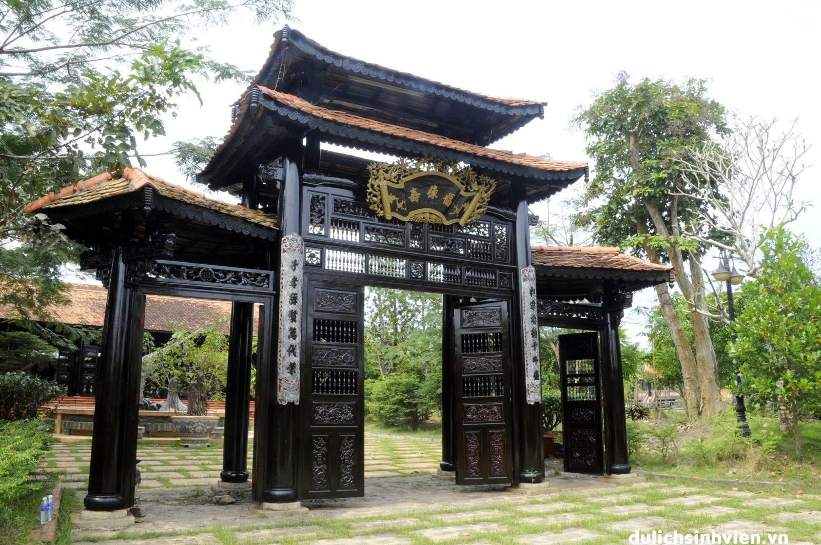Dong Ngac Cultural Village