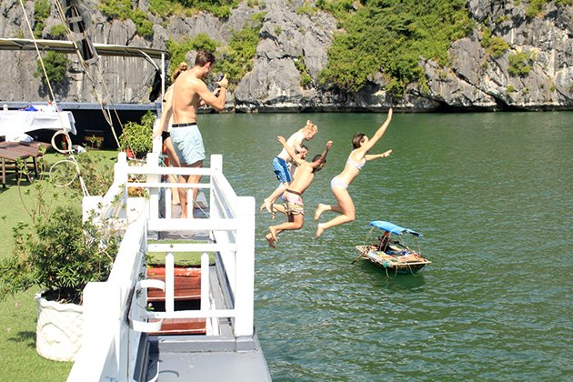 Lan Ha Bay, Halong Bay Tours, Cozy Vietnam Travel