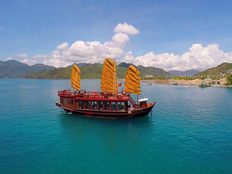 Emperor Cruise Nha Trang,Cozy Vietnam Tours,Cozy Vietnam Travel