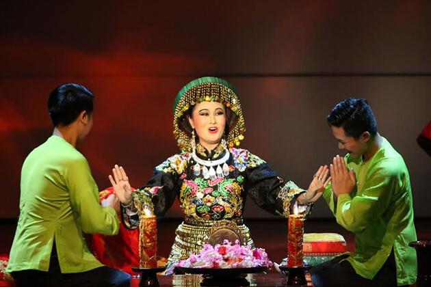 Tu Phu Show, Hanoi City Tours, Vietnam Package Tours, Cozy Vietnam Travel
