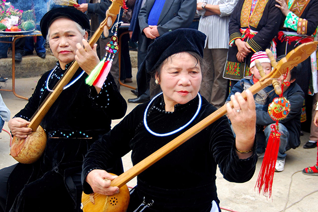 Tay people in Ha Giang, Cozy Vietnam Travel