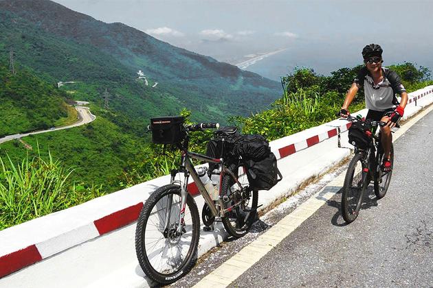 hai-van-pass-cycling-tour