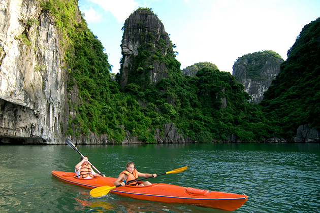 Kayaking in Halong Bay, Cozy Vietnam Travel