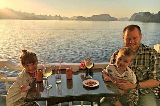 Family Halong Bay Tours, Halong Bay Cruise, Cozy Vietnam Travel