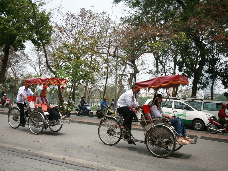 Hanoi Cyclo Tour,Hanoi City Tours,Cozy Vietnam Travel,Vietnam Tours
