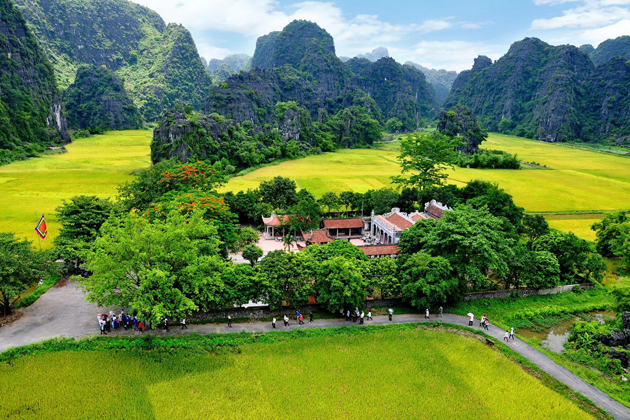 Hoa Lu in Ninh Binh, Ninh Binh Tours, Cozy Vietnam Travel