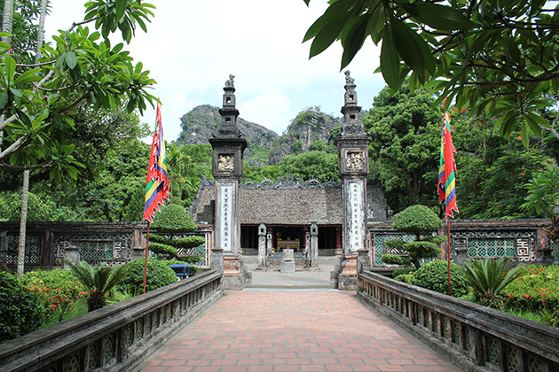 Hoa Lu Ancient Capital, Hoa Lu Tam Coc Tours, Cozy Vietnam Travel