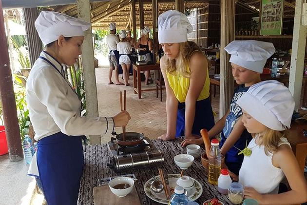 Tra Que cooking lesson, Hoi an Travel, Vietnam Classic Tours, Cozy Vietnam Travel