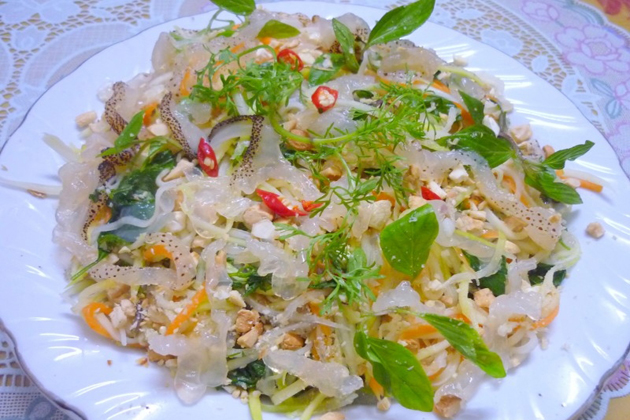 Jellyfish Salad in Ly Son Island, Quang Ngai Travel, Quang Ngai, Cozy Vietnam Travel