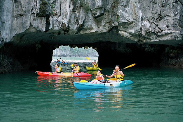 Kayaking in Halong Bay, Halong Bay Tours, Vietnam Cozy Travel, Vietnam Tours