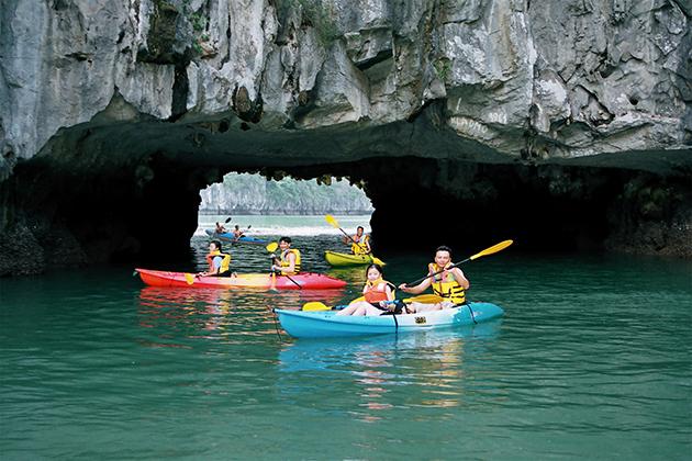Kayaking in Halong Bay, Halong Bay Tours, Vietnam Cozy Travel, Vietnam Tours