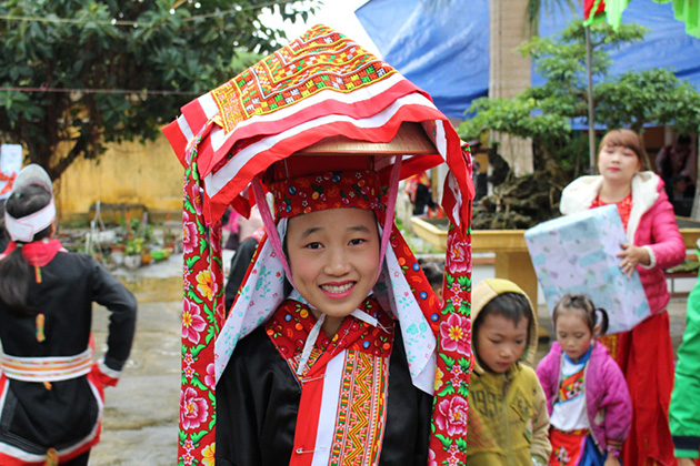 Dzao people in Cao Bang, Cozy Vietnam Travel