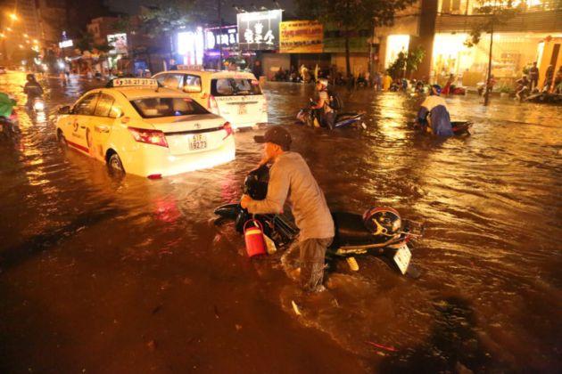 The Wet Season in Ho Chi Minh, Tour, Ho Chi Minh, Cozy Vietnam Travel