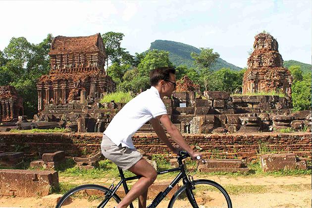 my-son-biking-tour