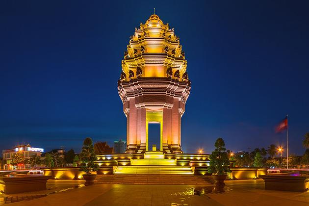 Phnom Penh at Night, Cozy Vietnam Travel