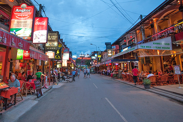 siem reap street in cambodia, Cozy Vietnam Travel