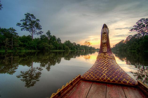 sunset-cruise-in-angkor-thom