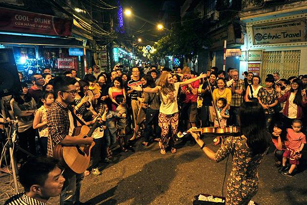 Ta Hien Street, Hanoi Old Quarter, Vietnam Tours, Cozy Vietnam Travel
