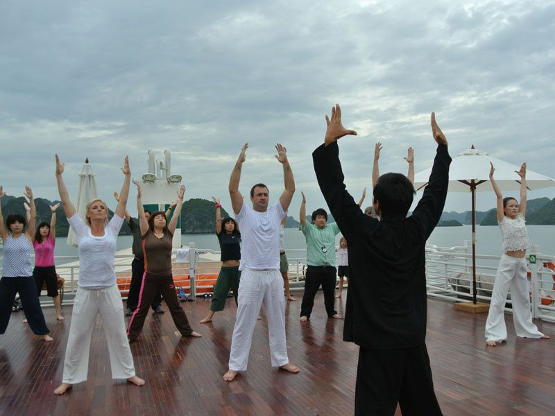 Tai Chi lesson Halong Bay, Cozy Vietnam Travel, Halong Bay Tours