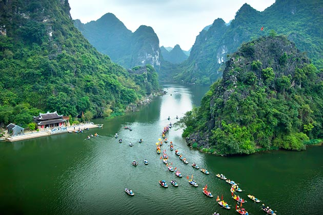 Trang An Boat Trip in Ninh Binh, Ninh Binh Package Tours, Cozy Vietnam Travel