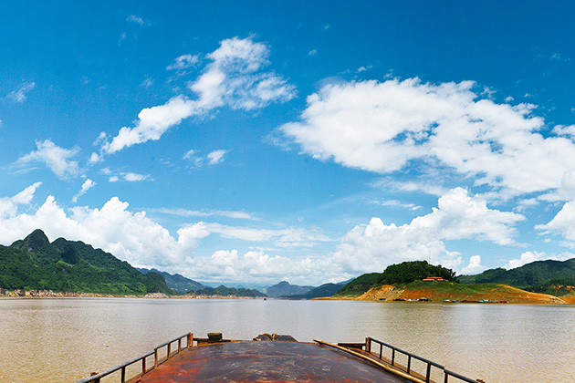 Hoa Binh Lake, Hoa Binh Travel, Cozy Vietnam Travel, Vietnam Tours