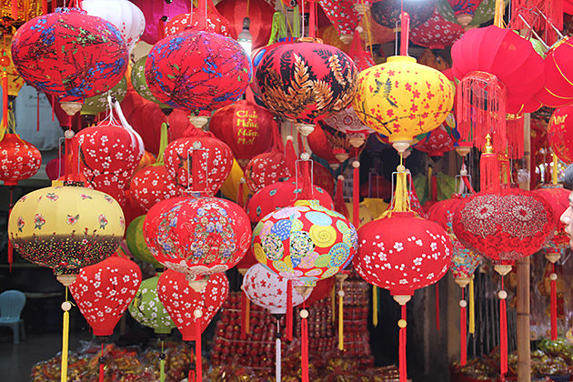 Market On Tet Holiday, Hang ma, Hanoi, Tours, Cozy Vietnam Travel