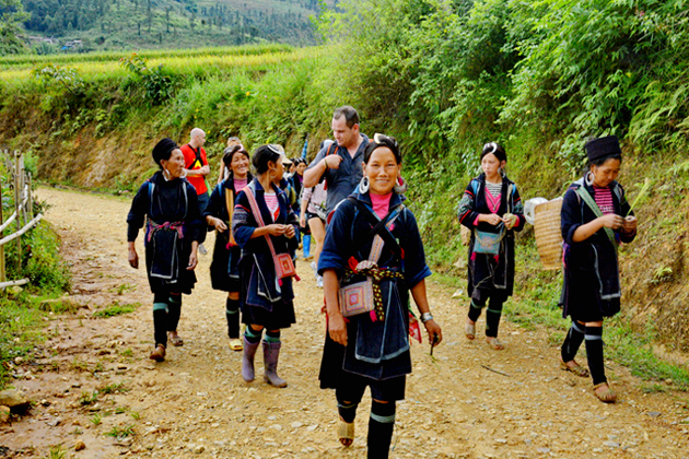Trekking in Lao Chai Village, Sapa Tours, Lao Cai, Cozy Vietnam Travel