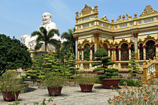 Vinh Trang Pagoda, Mekong Delta Tours, Cozy Vietnam Travel