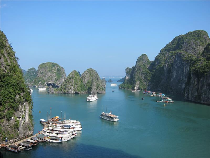 Halong Bay Overview, Halong Bay Tours, Cozy Vietnam Travel