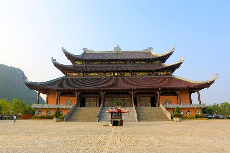 Bai Dinh Pagoda in Ninh Binh, Vietnam Daily Tours