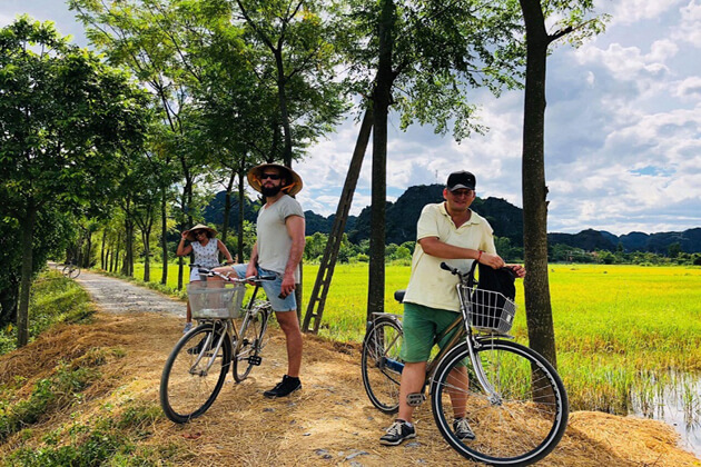 Cycling in Tam Coc Ninh Binh, Cozy Vietnam Travel