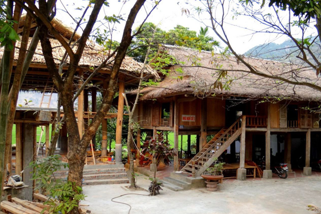 Ethnic-house-on-stilt-in-Mai-Chau