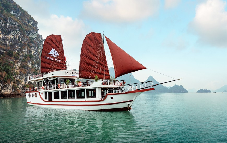Escapes Sails Lan Ha Bay, Cozy Vietnam Travel