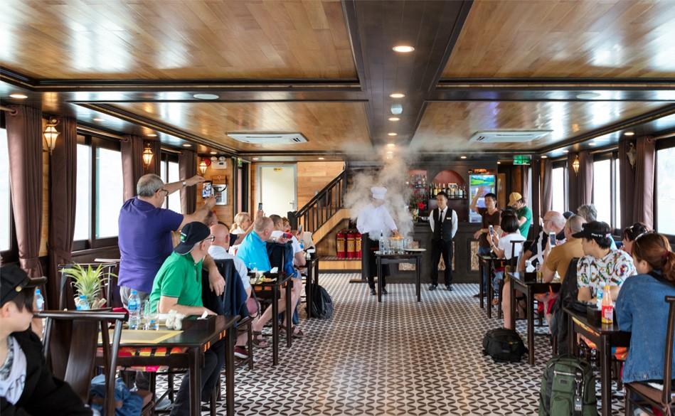 Restaurant in Lan Ha Bay, Cozy Vietnam Travel