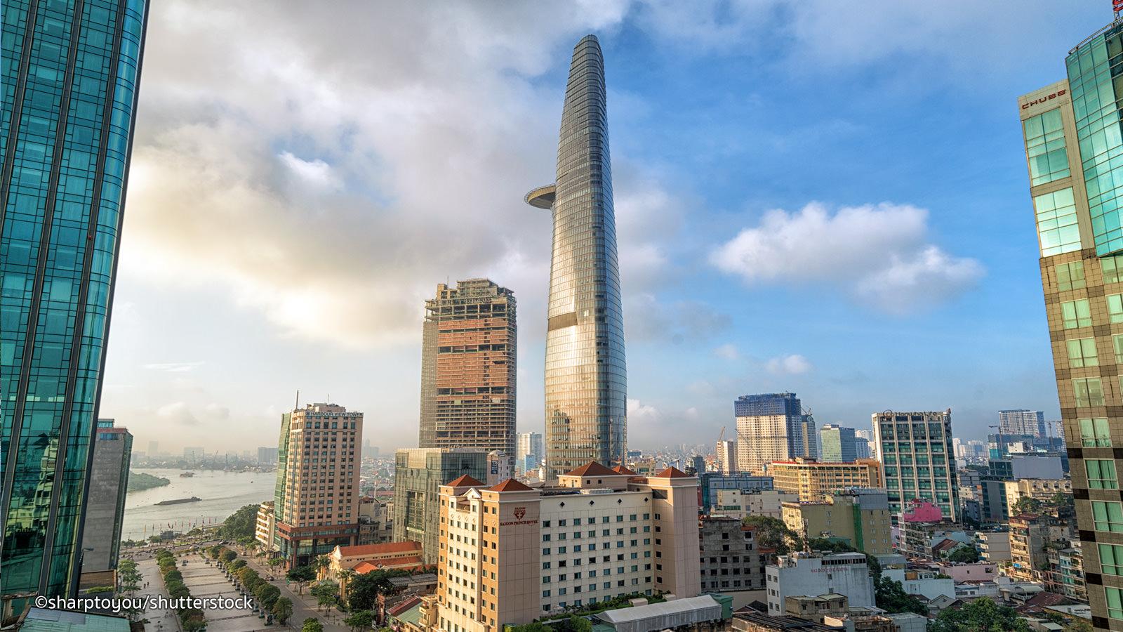 Bitexco Financial Tower sky