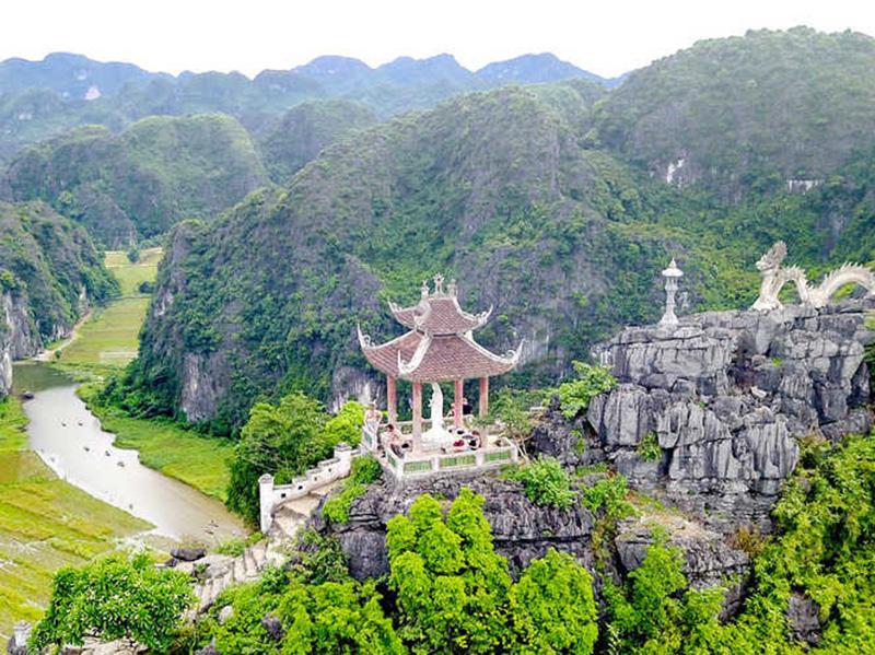 Núi ngọa Long Ninh Bình