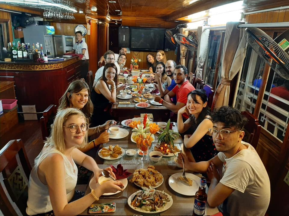 Cozy Vietnam Travel - Tour du lịch hạ long giá rẻ 2020 -124
